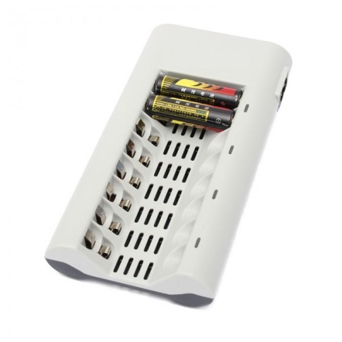 8 Slots Universal Battery Charger for AA/AAA NI-MH/NI-CD Battery White